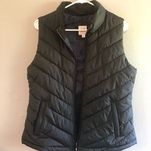 Women's black Gap puffy vest
